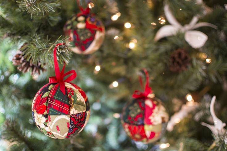 26 best bolas de navidad images on pinterest christmas - Decoracion de arbol de navidad ...