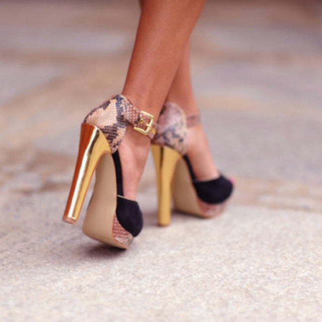 Gold python chunky heel: Fashion, Girl, Style, Gold Heels, High Heels, Accessories, Shoes Shoes
