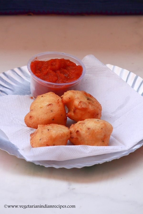 masala seeyam also called as masala cheeyam is a chettinad dish which can be served for breakfast or as snack. made with rice, urad dal, it is very easy and tasty.