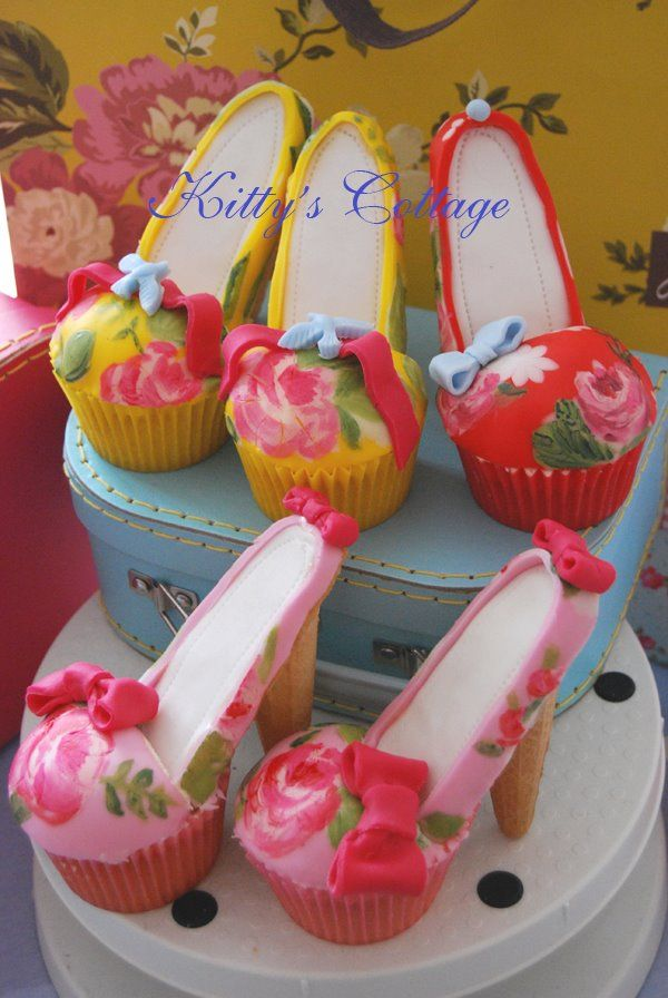 Gorgeous cupcake shoes - wow x