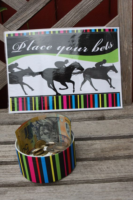 Melbourne Cup party printables - Party sign and patterned paper