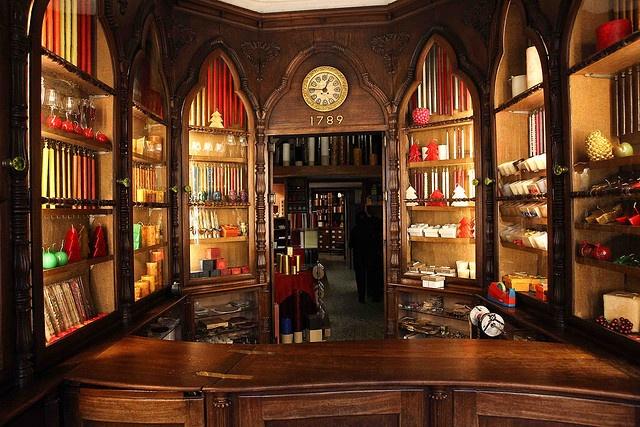 Shop: Candles, Loja das velas_Rua do Loreto_Lisboa_Portugal_ around since 1789