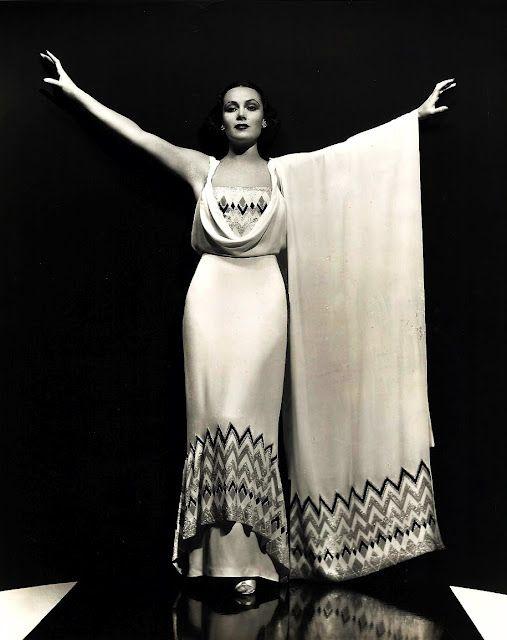 Dolores del Rio, 1930s.Evening Dresses, Pains River, Vintage Dresses 1930, Delores Del, Beautiful, 1930 S, Art Deco, River, 1930S Hollywood