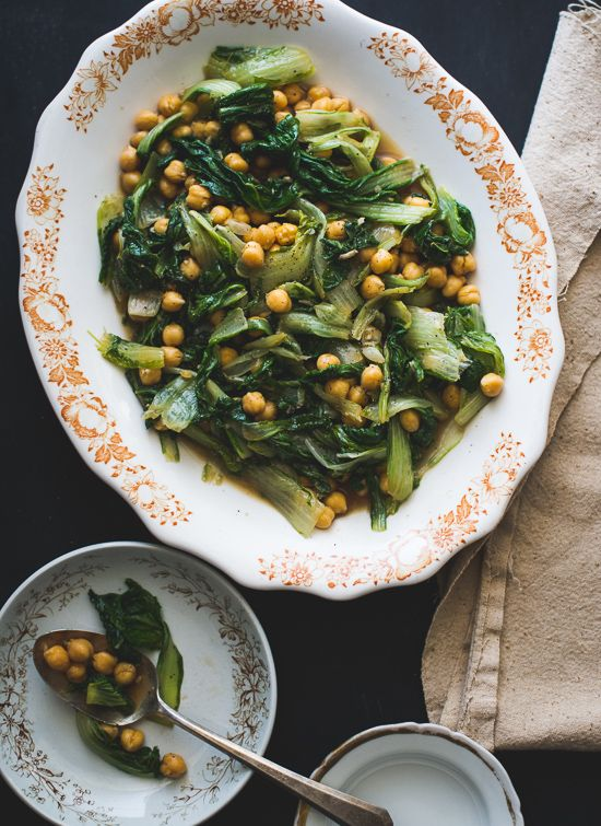 Garlicky Winter Greens and Chickpea Salad Recipe on WhiteOnRiceCouple.com