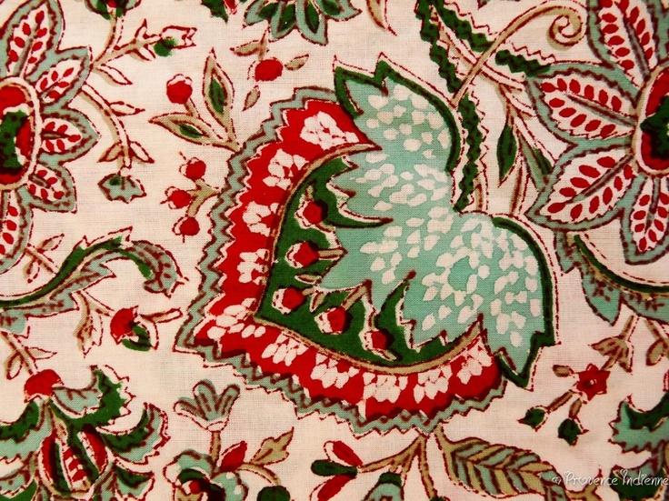 Cotonnade de Sanganer ! Un plaisir pour les yeux et pour vos réalisations. Nos tissus sont sélectionnés avec soin et une qualité de coton remarquable. Tous nos tissus sont imprimés exclusivement a la main (hand block).D'inspiration Provençale ou Indienne, ils seront faire sensation pour vos confections de vêtements, accessoires, coussins et autres … Modèles exclusifs sur Provence Indienne a prix très compétitifs !!!