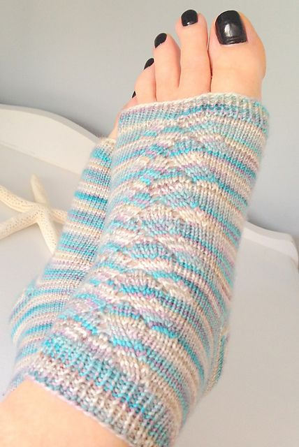 Knitting Pattern For Pedicure Socks : 1000+ ideas about Pedicure Socks on Pinterest Flip flop ...