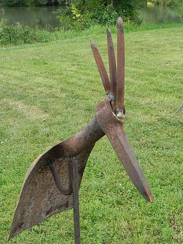 Partager Tweeter + 1 E-mail Quelques idées de recyclage pour vos vieux outils de jardin...