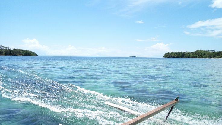 tempat indah dengan pemandangan bawah laut yang luar biasa.. heading up to mawirin