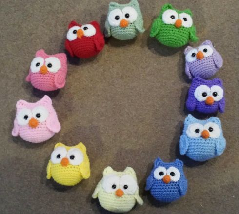 I work this owl in one continuous spiral. Use a stitch market to mark each round end. Terms used: sc=single crochet hdc= half double crochet dc=double crochet trc=triple crochet sc-dec=...