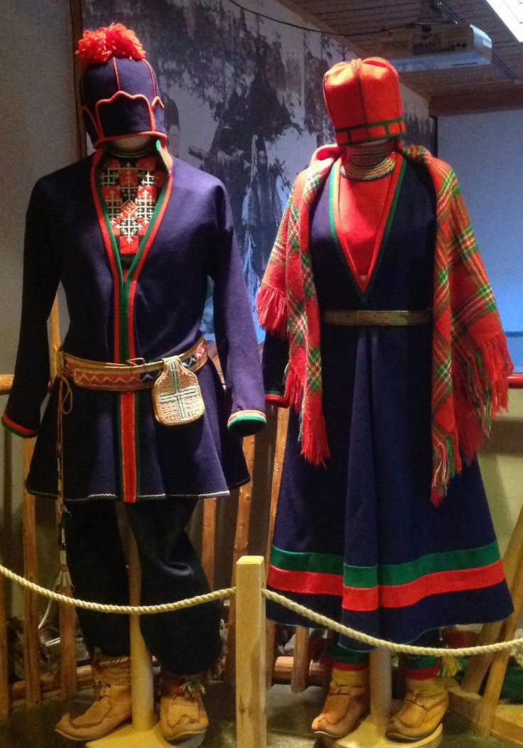 Southern Sami Gapta. Traditional clothing. Museum Saemien sitje, Snåsa, Norway. Sør-samiske kofter (Gapta, Gakti, Kolt). Snåsa, Trøndelag.
