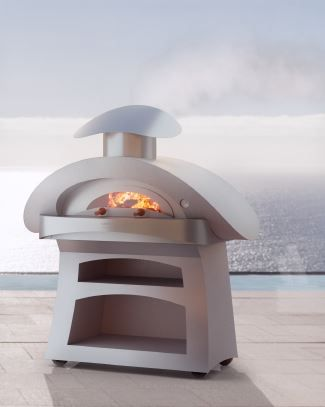 This outdoor pizza oven just oozes Italian style!