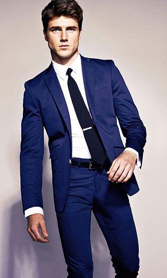 ネイビースーツ×濃紺ネクタイの着こなし | スーツスタイルWEB