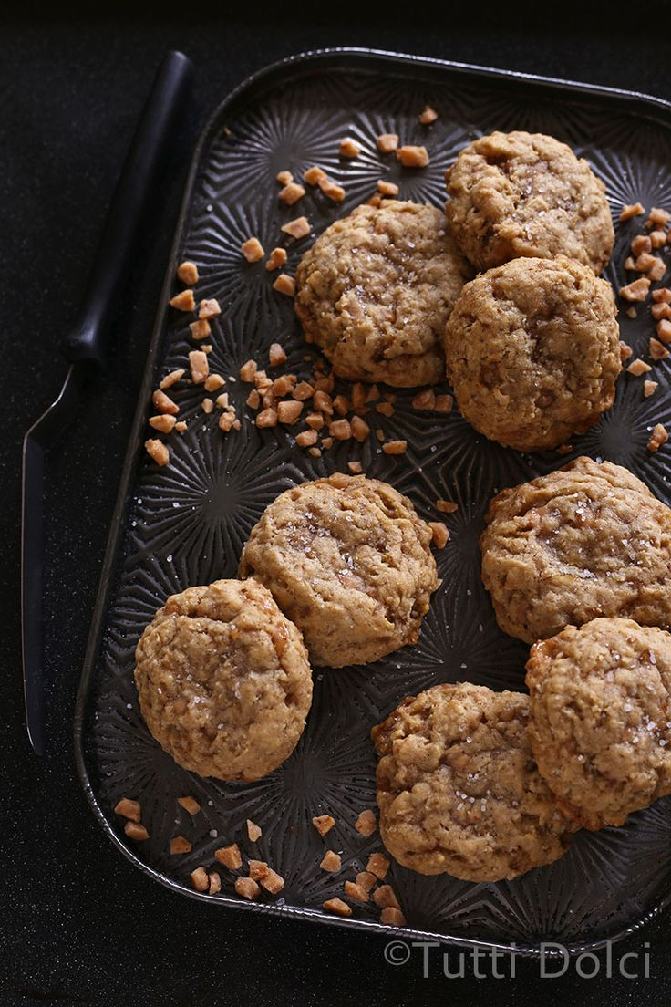 Salted Oatmeal Toffee Cookies - chewy oatmeal toffee cookies with ...
