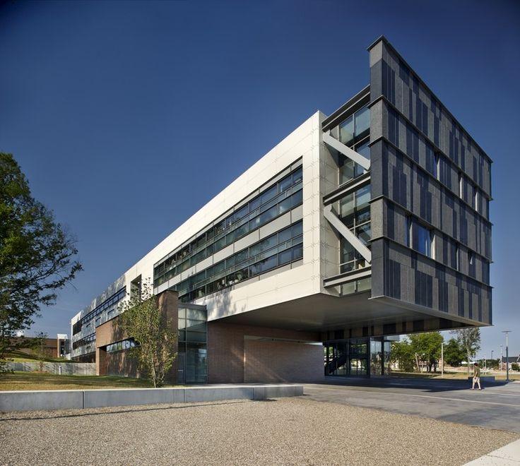 North Carolina A & T Universidad del Estado de la Escuela de Educación Proctor / Los Freelon Group Architects, © James West