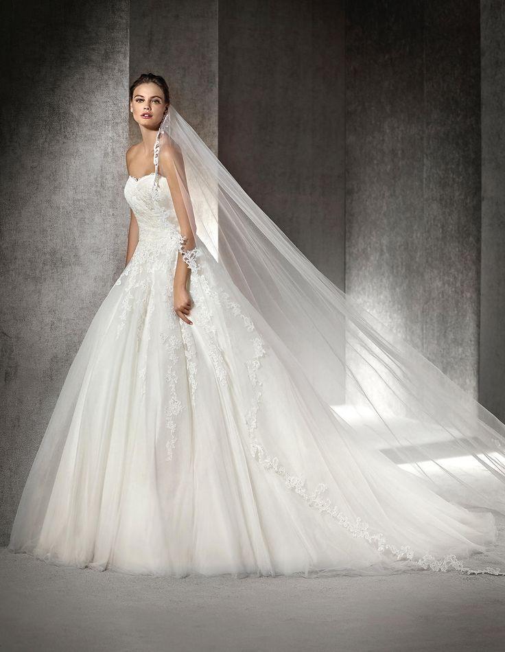 ARGEL - Vestido de novia de estilo princesa, con incrustaciones de pedrería | St. Patrick