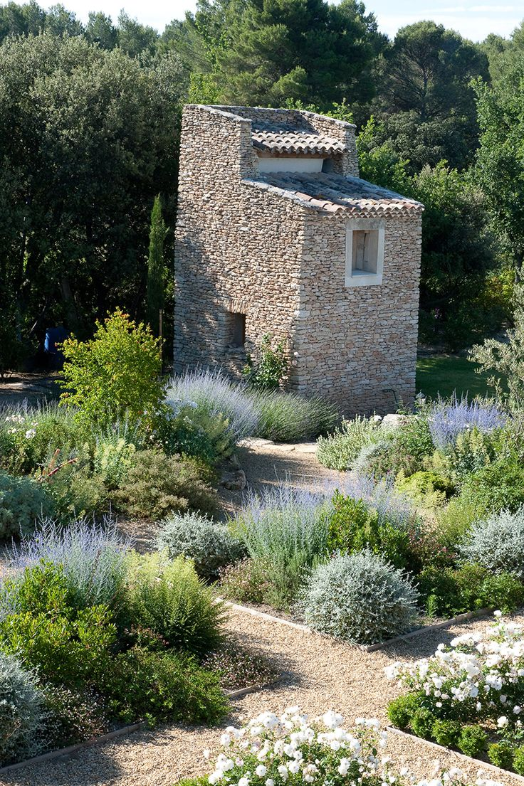 Thomas Gentilini Architect, Private Garden, Provence Saint Cannat #gardendesign