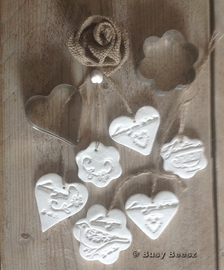 Clay tags and burlap rose - clear stamps Eline's huis #claytags