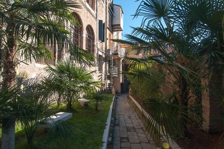 An amazing property in Castello, Light and airy Piano nobile with garden terraces and water gate Corderie Luxury property for Sale in Venice