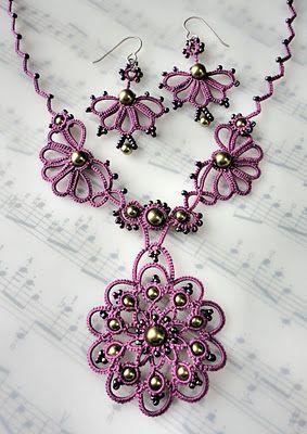 Tatted necklace adornos que no tienen mas valor que el que tu le pones al realizarlos pero que resultan muy bonitos