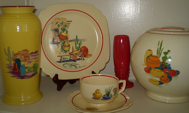 Fiesta ware - Mom also had some of this desert pattern.  Wouldn't it be pretty mixed with the solid colors.