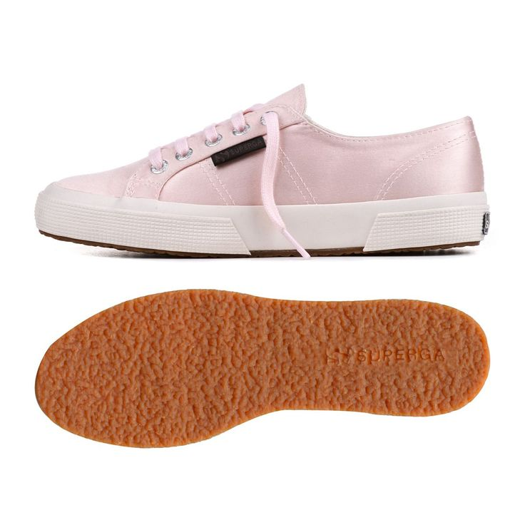 Le Superga Collaboration with the man repeller - satin classic in ballet pink