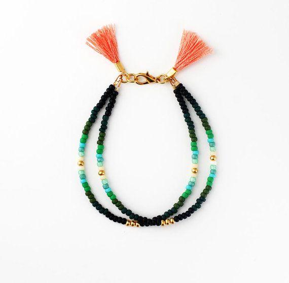 Bracelet brésilien perlé - Bracelet en perle de rocaille vert Double brin avec des glands, meilleur ami cadeau