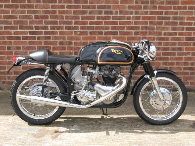 An authentic late 60s Triton, Norton featherbed frame, triumph 120 motor.