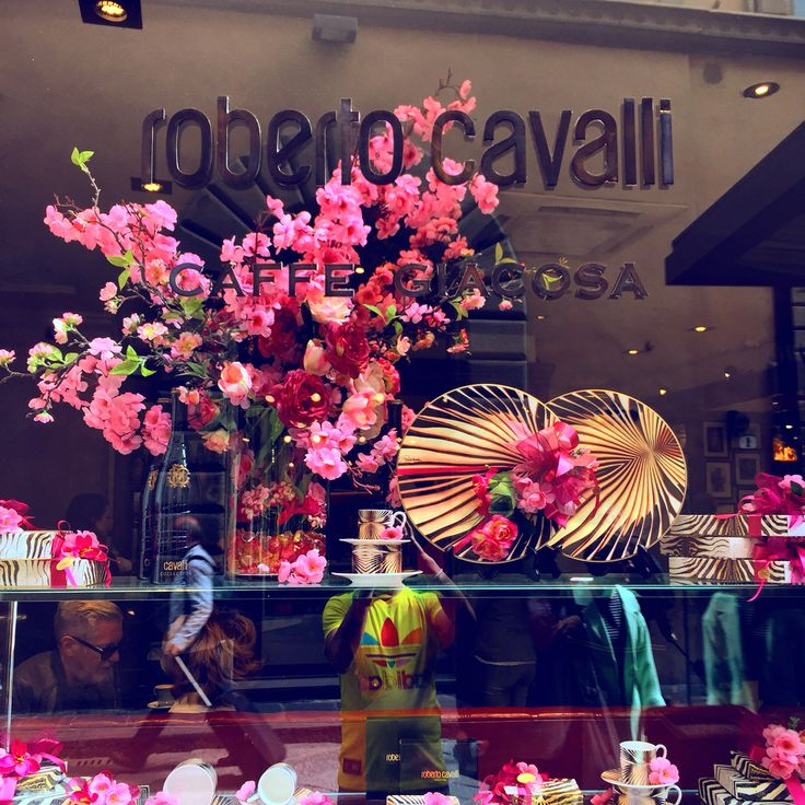 @robertocavalli Giacosa ☕️ #florence #bar #style #fashion #IT #italy #beautiful #filter #life #like #firenze #socialnetwork #pinterest #tumblr #twitter #instagram #foursquare #swarm #facebook #followme #followers #kiss #holidays #iphone6