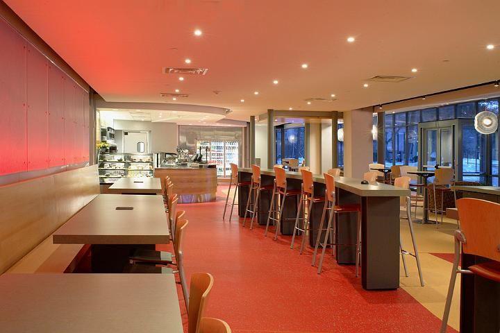 Interior Design For A Cyber Cafe4
