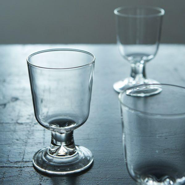 Astier de Villatte/Simple ワイングラス | | ノエル | Orne de Feuilles 持ちてが細いものではなくて太いものあまりみたことないけど、このデザインも面白いしいいなと思った