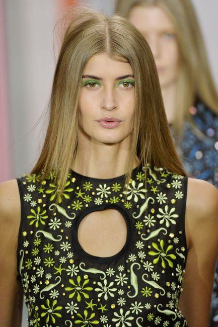 SS16 Holly Fulton green eyeshadow blonde girl sleek hair