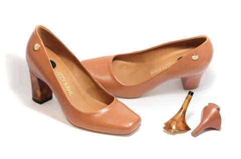 Sapato Bico Quadrado Troca de Salto Caramelo
