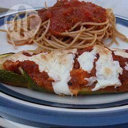 Gefüllte Zucchini mit Tomatensauce @ de.allrecipes.com