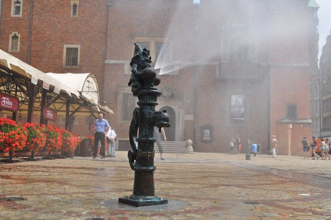 Wrocławskie krasnale będą chłodzić nas w upały
