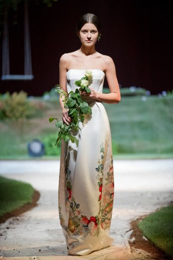 2015 wedding dress trends: hand-painted fabrics. See more here: http://www.weddingandweddingflowers.co.uk/article.php?id=1023