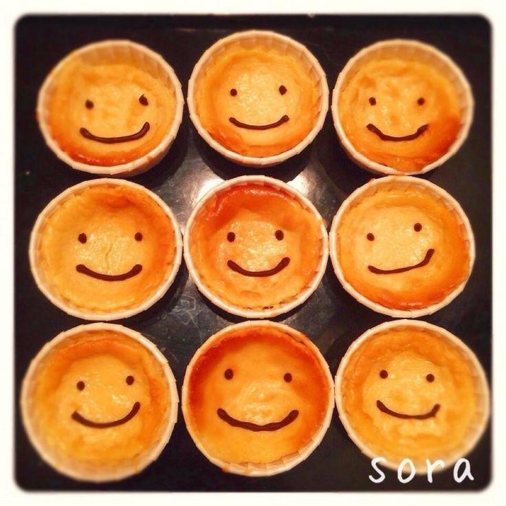 チーズケーキって、作るのが難しいイメージがありませんか? でも、実は、スポンジケーキを作るより簡単なんです!そして、意外と失敗しにくいケーキなんです! 筆者が、以前、お店で出していて、お客さんに世界一おいしい!と言われたこともある(笑)、自慢のNYチーズケーキのレシピを、今日は、ご紹介します! うれ