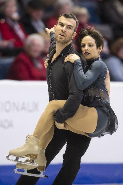 Meagan Duhamel and Eric Radford of Canada skate their short program at the 2017 Skate Canada International ISU Grand Prix event in Regina, Saskatchewan, October 27, 2017. / AFP PHOTO / Geoff Robins