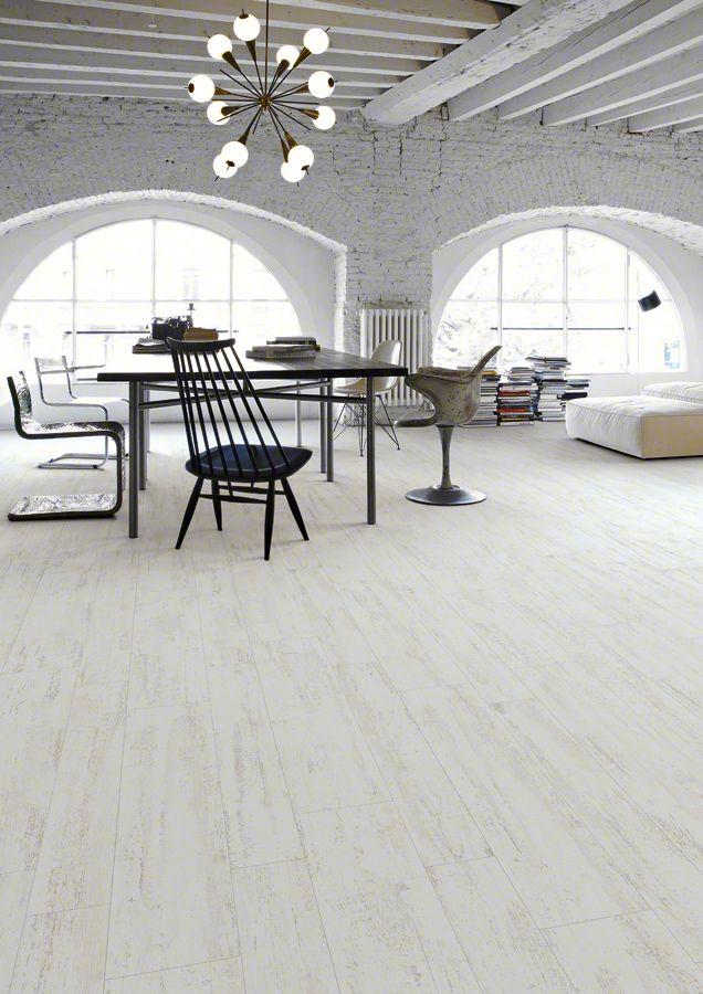 Porcelànic o Parquet? Tot en 1! Porcelànics imitació fusta. Fes dels teus espais llocs realment acollidors. Model EFESO. #materialsmiquel #totperlatevallar