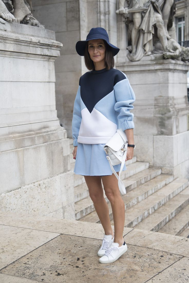 PFW Street Style Day 8: Some baby-blue colorblocking courtesy of Stella McCartney.