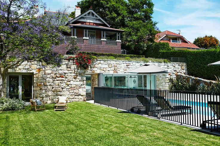Sandstone pool house - Outdoor Establishments