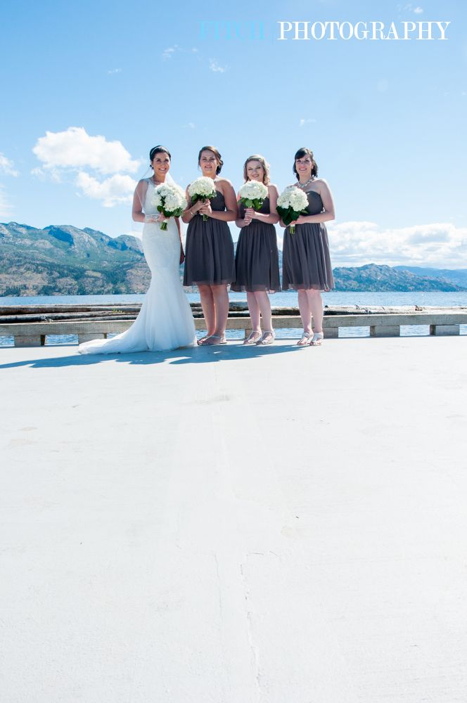 Beautiful Bride and Bridesmaids on a blue sky! #bride #bridesmaids #weddingflowers #weddingdress #bridesmaidsdresses #weddingphotography