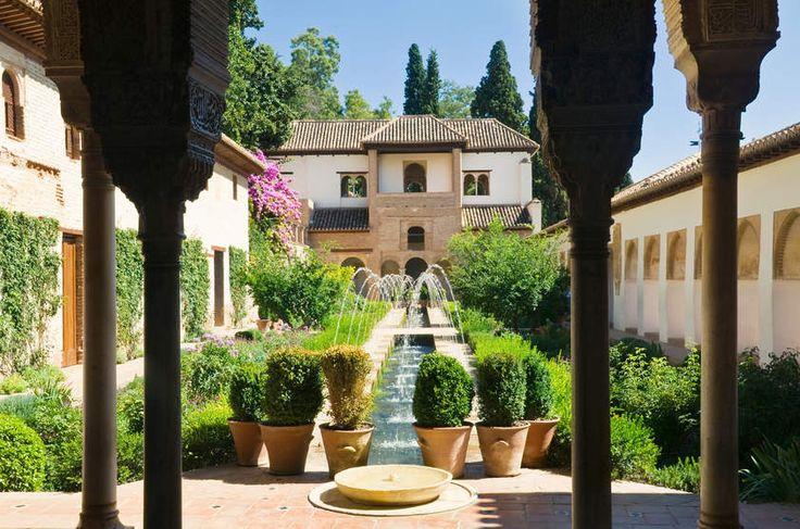 Jardim do palácio Generalife, em Granada, Espanha