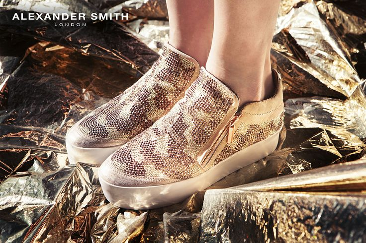 A230 Camo Mimetico. Metal flash, golden lightning and silver sparks: this is #AlexanderSmith new collection