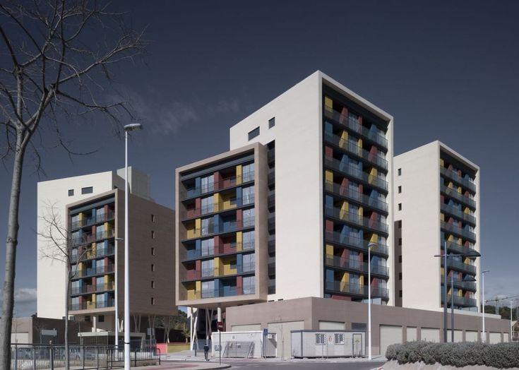Edificio de 163 Viviendas by ADI Arquitectura, Sagunto, Valencia, Spain - 2011.
