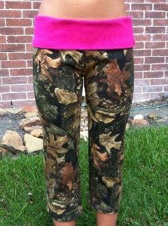 camo yoga pants. need these.