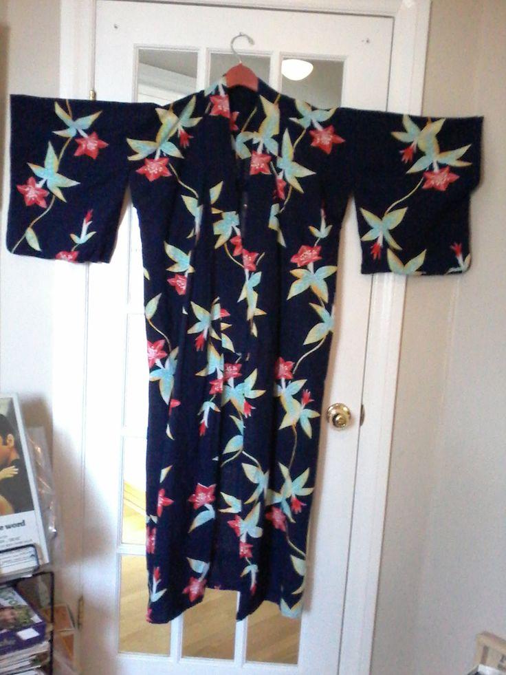 Beautiful hand stitched 100 % cotton Kimono/Yukata by MajorVintageShop on Etsy
