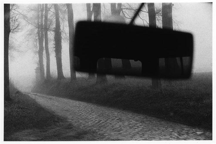 """""""En voiture"""" de Bruno Réquillart. Charenton-le-Pont, Médiathèque de l'Architecture et du Patrimoine - Photo (C) Ministère de la Culture - Médiathèque du Patrimoine, Dist. RMN-Grand Palais / Bruno Réquillart"""