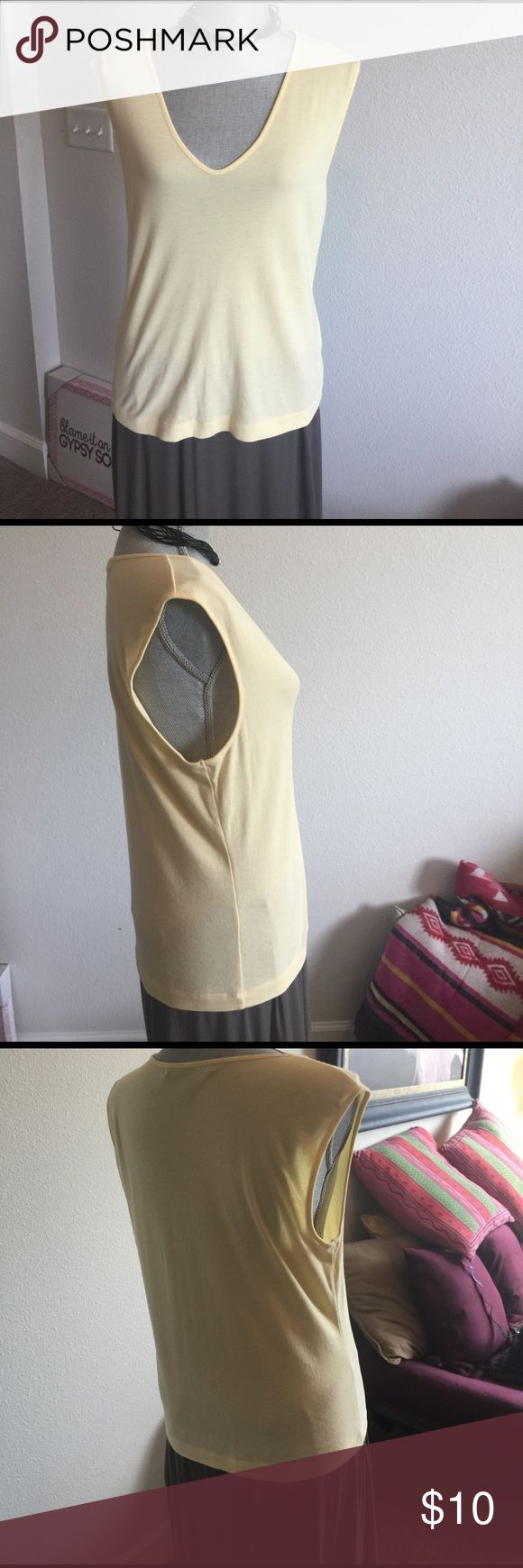 Ellen Tracy yellow tank top EUC Ellen Tracy yellow v neck tank top Ellen Tracy Tops Tank Tops