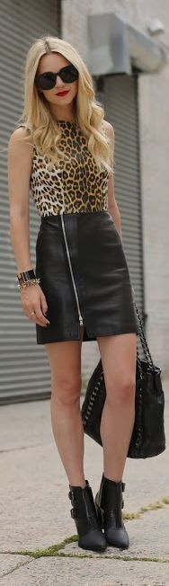 Skirt with leopard