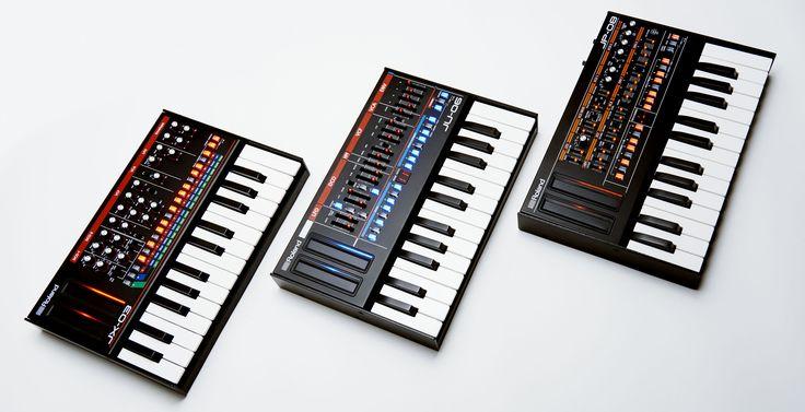 Con la reproducción de sonido altamente-autentica, ellos son extremadamente portátiles también, con una bocina integrada y operación por baterías para hacer música cuando sea—y donde sea—que lo desees.